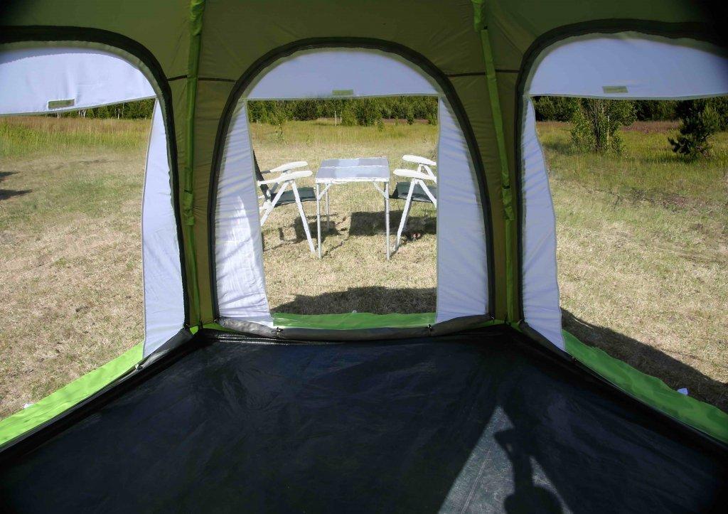 Три прозрачные стенки установленные на палатке